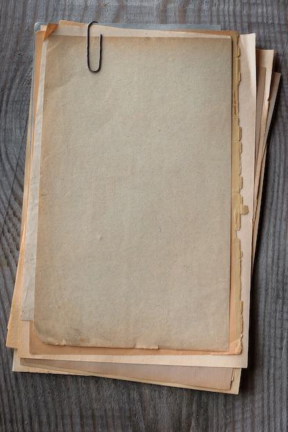 Pile de vieux draps Photo Premium