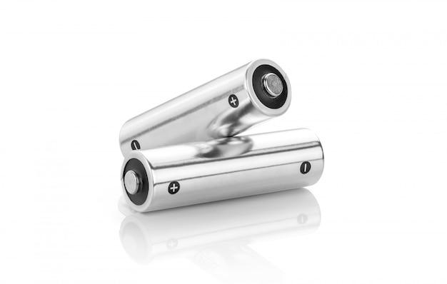 Piles Alcalines Métalliques De Taille Aa, Isolées Sur Fond Blanc Photo Premium