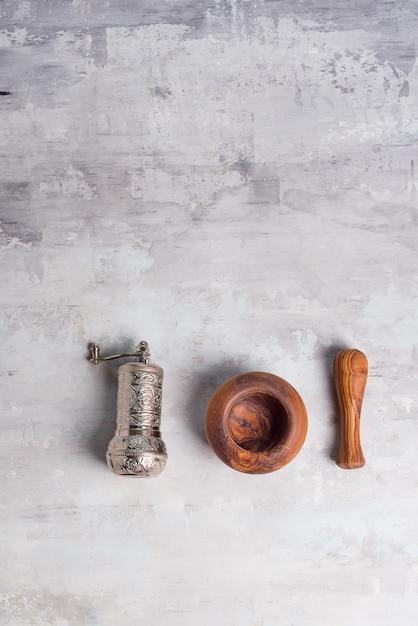 Pilon d'olive et moulin à épices turque Photo Premium
