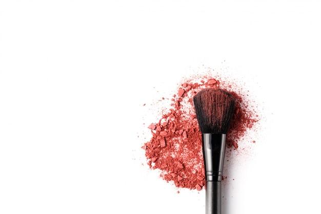 Pinceau De Maquillage Professionnel Sur Fard à Paupières écrasé Photo Premium