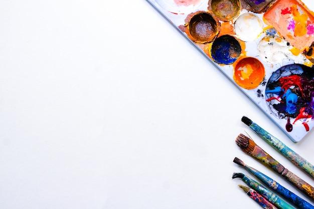 Pinceau Vue De Dessus Et Palette Sur Papier à Dessin