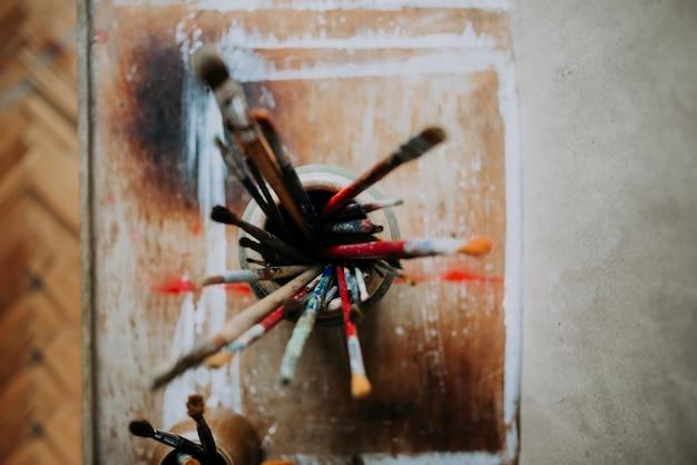 Pinceaux Artistiques. Vue De Dessus. Photo Premium
