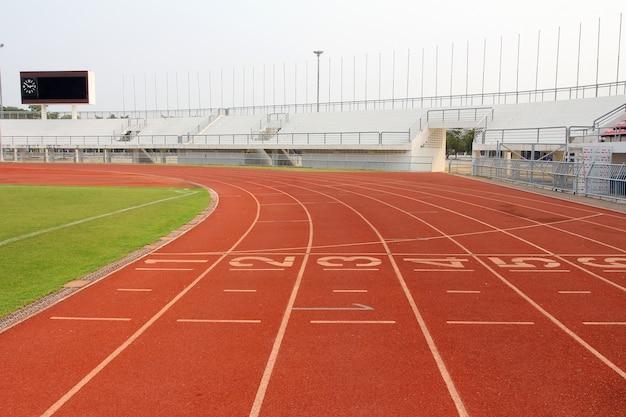 Piste de course et terrain de stade Photo Premium