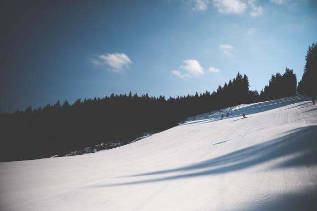 Pistes de ski de pente Photo gratuit