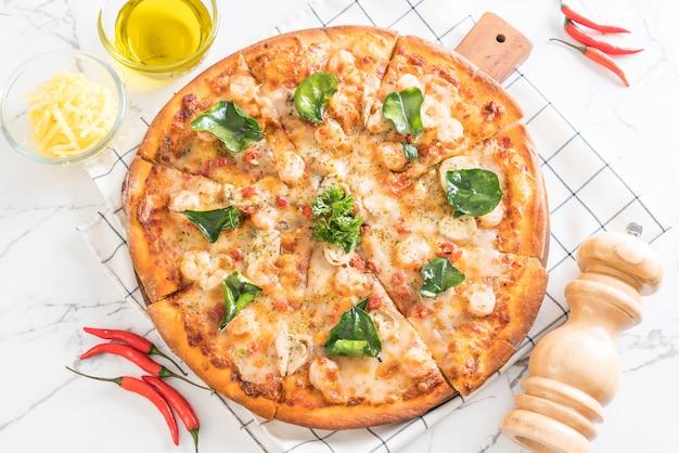 Pizza Aux Crevettes épicées (tom Yum) Photo Premium