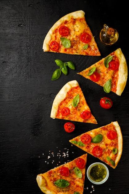 Pizza margarita. Photo Premium