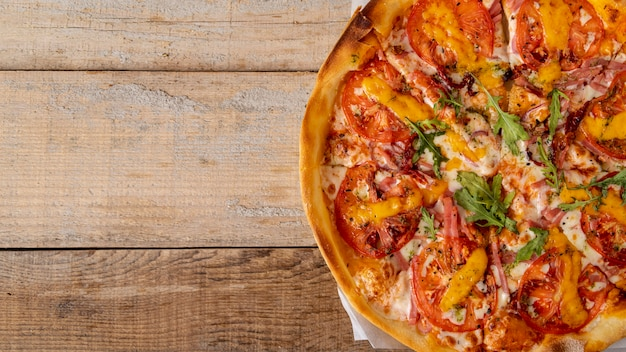 Pizza Vue De Dessus Avec Espace De Copie Photo gratuit
