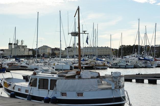 Place de port marina dans le centre de helsinki, finlande Photo Premium