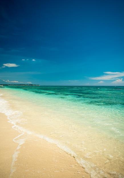 Plage tropicale Photo gratuit