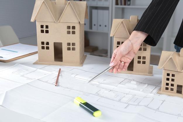 Plan de maison et concept de modèle pour la nouvelle conception ou l'amélioration de l'habitat Photo Premium