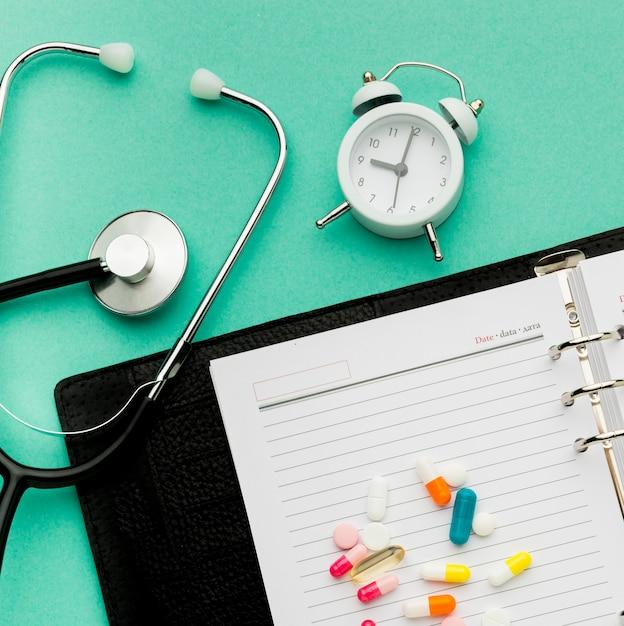 Plan Rapproché Et Pilules Photo gratuit