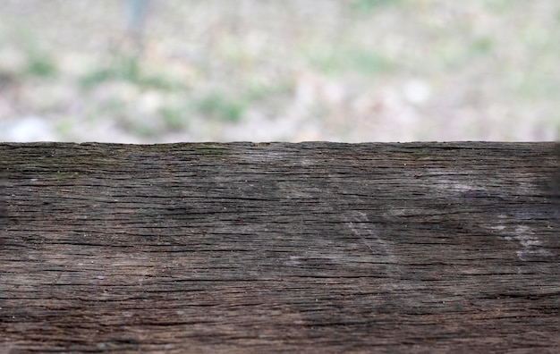 Planche de bois vintage avec arrière-plan flou, planche de bois noir vide Photo Premium