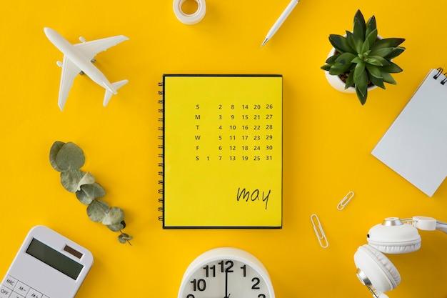 Planificateur De Calendrier Vue De Dessus Pour Les Vacances Photo Premium