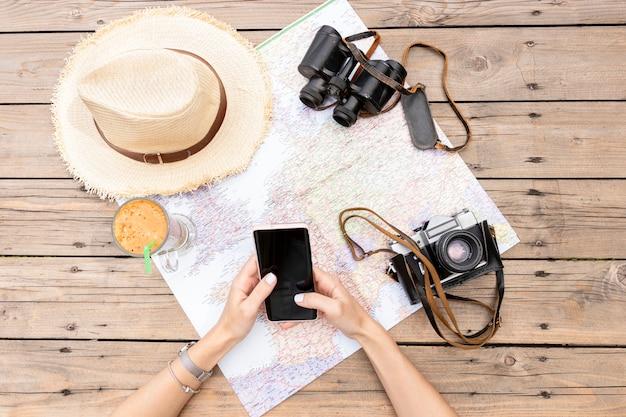 Planification D'un Voyage à Plat Photo gratuit