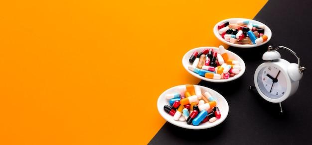 Plaques De Copie Avec Pilules Photo gratuit