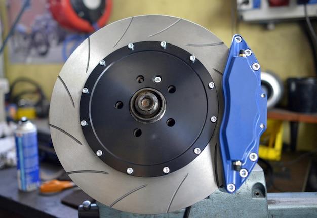 Plaquettes de frein à disque et bleues Photo Premium