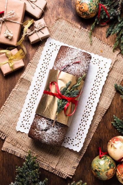 Plat Lay Délicieux Gâteau Fait Pour Noël Photo gratuit