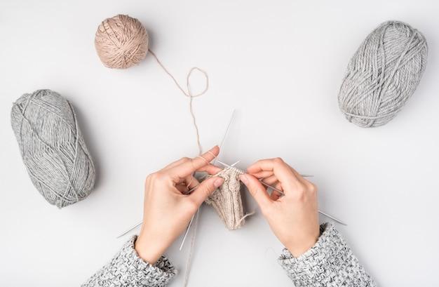 Plat poser de femme crochet Photo gratuit