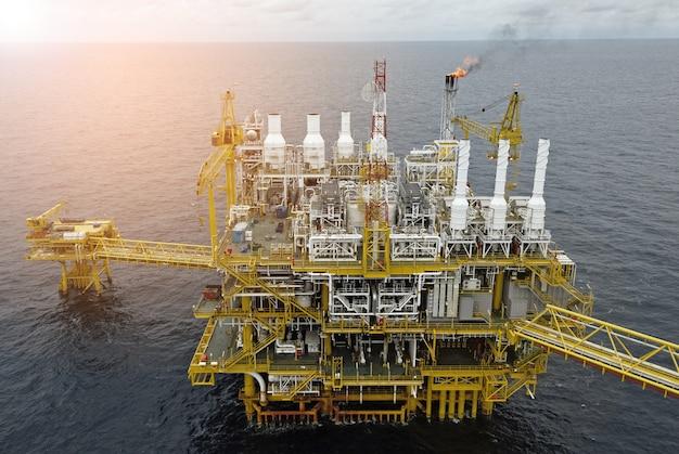 Plate-forme de plate-forme pétrolière offshore Photo Premium