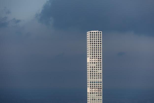 Le Plus Haut Gratte-ciel Résidentiel Du Monde à Manhattan, New York City. Sa Hauteur - Environ 426 Mètres, 96 étages Et 104 Appartements. Photo Premium
