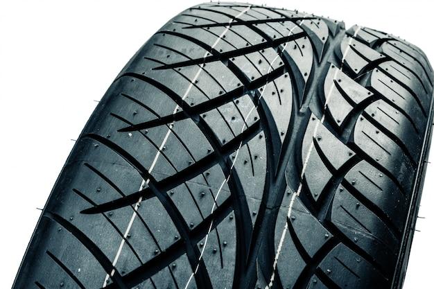 Pneus de voiture isolés. pneus auto été Photo Premium