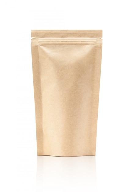 Pochette en papier kraft isolé avec un emballage vide Photo Premium