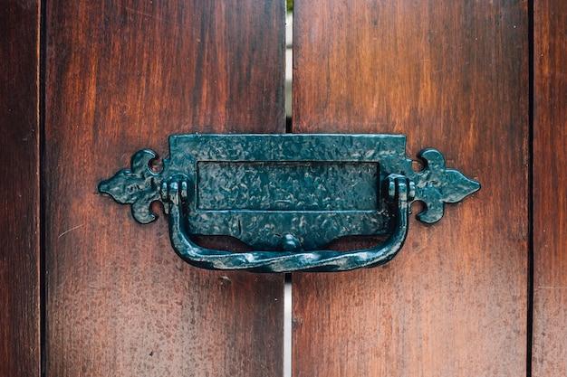 Poignée vintage à la porte Photo gratuit