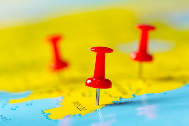 Points De Destination De Voyage Sur Une Carte Photo Premium