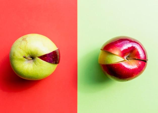 Pomme Rouge Et Verte Avec Différentes Tranches Photo gratuit