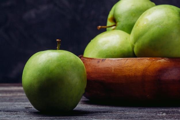 Pomme Verte Mûre Se Bouchent Photo Premium