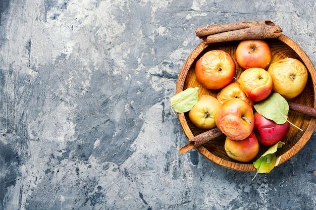 Pommes Au Four Rouges Photo Premium