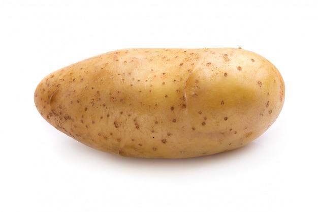Pommes de terre fraîches isolés sur fond blanc. Photo Premium