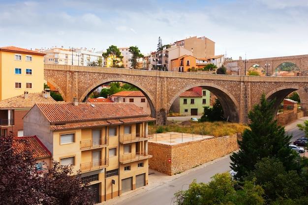 Pont Et Aqueduc à Teruel Photo gratuit