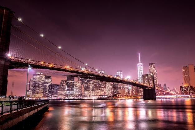 Pont de brooklyn la nuit Photo Premium
