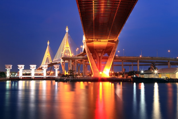 Pont industriel de bangkok Photo Premium