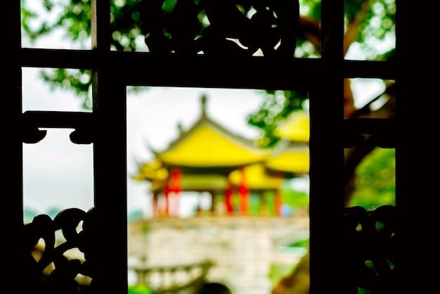 Pont de yangzhou sur le lac occidental mince wuting Photo Premium