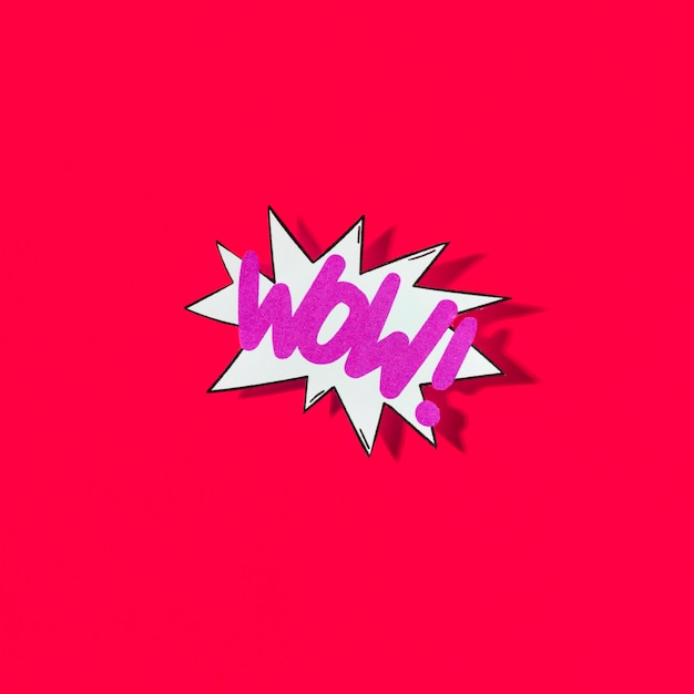 Pop art illustration de wow icône du web sur fond rouge Photo gratuit
