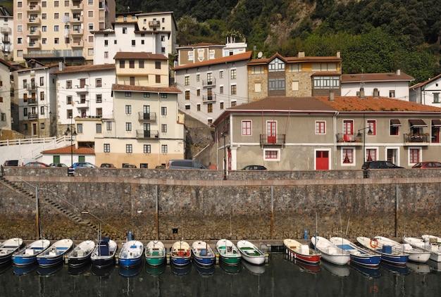 Port de pêche d'elantxobe; pays basque; espagne; Photo Premium