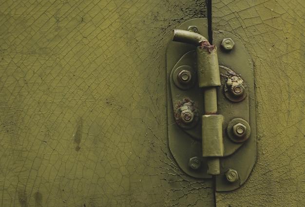 Porte en métal avec verrou dans le style grungy avec copie-espace Photo Premium