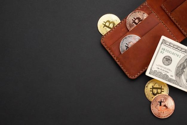 Portefeuille avec devise plat poser Photo gratuit