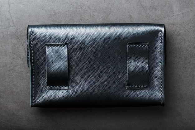 Portefeuille noir en cuir véritable foncé Photo Premium