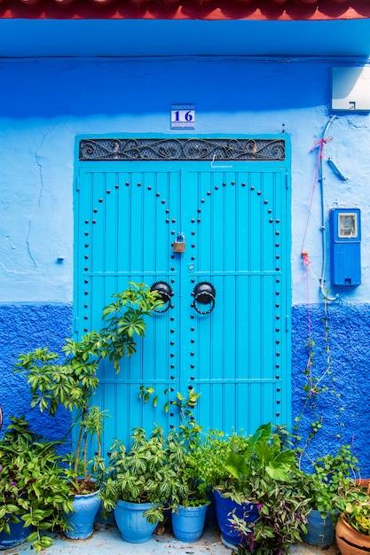 Portes Orientales Traditionnelles Avec Ornement Au Maroc. Photo Premium