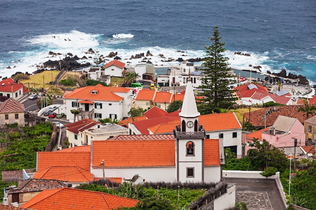 Porto moniz, madère Photo Premium