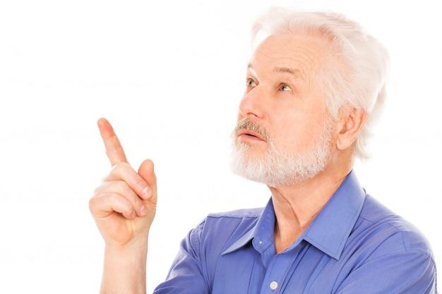 Portrait de bel homme âgé Photo gratuit