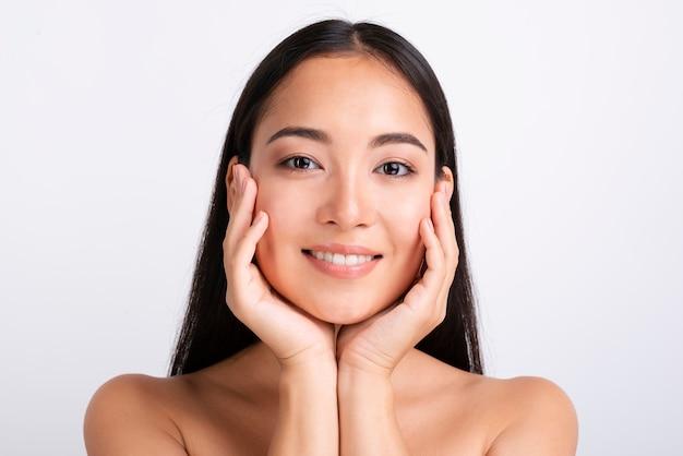 Portrait de belle femme asiatique Photo gratuit