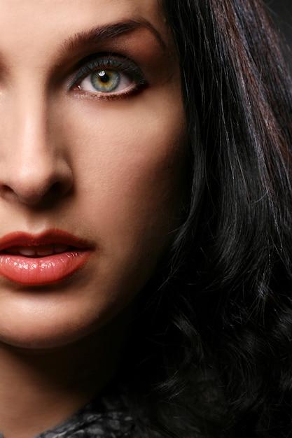 Portrait de belle femme Photo gratuit