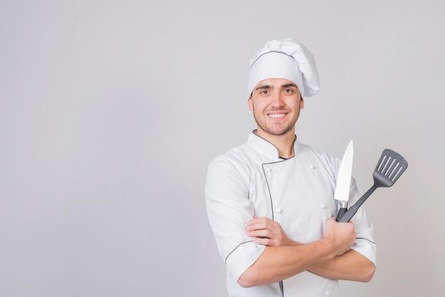 Portrait de chef à la spatule Photo gratuit