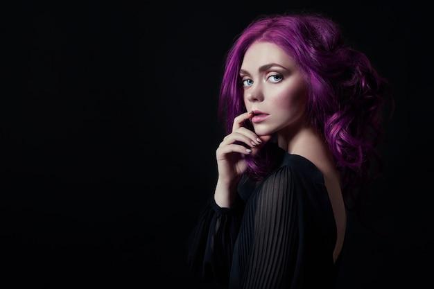 Portrait, femme, brillant, voler, cheveux Photo Premium