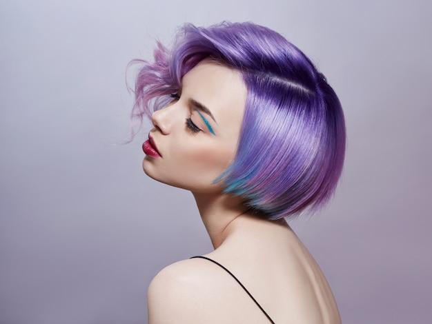 Portrait, De, Femme, à, Coloré, Voler, Cheveux Photo Premium