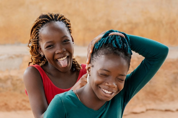 Portrait De Filles Africaines Smiley Gros Plan Photo gratuit